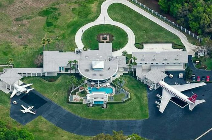 John Travolta's house with boeing 747 and jet